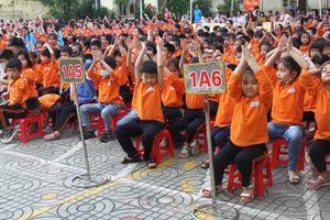 Nhà văn Nguyễn Bích Lan truyền đam mê đọc sách cho hàng nghìn học sinh Hải Phòng
