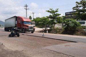 Bình Định huy động phương tiện sửa đường, đảm bảo ATGT dịp nghỉ lễ