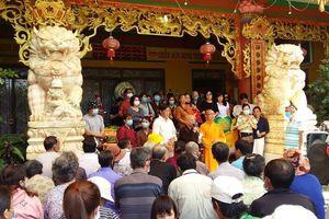 Ban Từ thiện thiền viện Vạn Hạnh trao quà tại tỉnh Đồng Nai