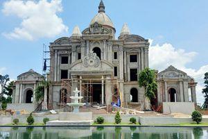 Lâu đài nguy nga của nguyên bí thư xã 'mọc' trên đất nông nghiệp ở Đồng Nai