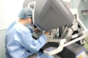 Robot phẫu thuật cứu sống bệnh nhân nặng, nguy kịch