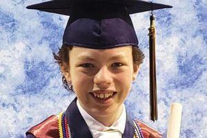 Cậu bé 12 tuổi ở Mỹ tốt nghiệp cao đẳng