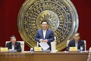 Chủ tịch Quốc hội làm việc với Thường trực Ủy ban Kinh tế