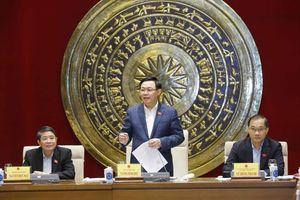Chủ tịch QH Vương Đình Huệ làm việc với Thường trực Ủy ban Kinh tế
