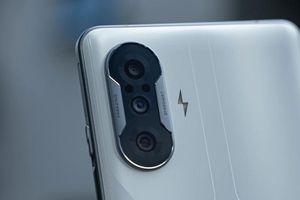 Smartphone gaming RAM 12 GB, màn hinh 120Hz, pin 5.000 mAh, sạc 67W, giá cực sốc