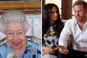 Nữ hoàng Anh lần đầu xuất hiện công khai sau tang lễ của chồng, nhà Meghan Markle tranh thủ ra thông báo quan trọng