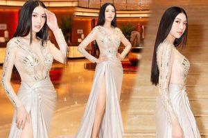 Á hậu Thúy Vân bùng nổ 'nhan sắc' khi diện váy xuyên thấu đẹp hoàn hảo