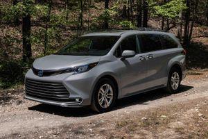 Toyota Sienna 2022 có thêm phiên bản dã ngoại