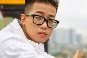 Rap Việt: 'Loại thí sinh có kinh nghiệm vì quên lời, sai nhạc'