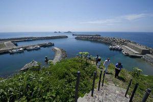 Hòn đảo cấm phụ nữ đặt chân đến gây tò mò nhất Nhật Bản