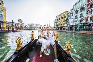 'Tình bể bình' với hành trình du ngoạn kênh đào Venice – sắc Ý giữa lòng Đảo Ngọc