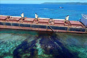Va chạm tàu ngoài khơi Trung Quốc làm 400 tấn dầu tràn ra biển
