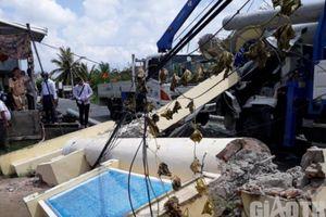 Lời kể người dân chứng kiến xe sửa chữa điện kéo sập cổng chào ở Bạc Liêu