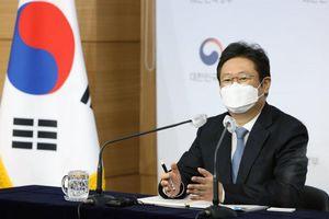 Bộ trưởng Văn hóa Hàn Quốc mới Hwang Hee và chính sách 'Ngoại giao Kim chi'