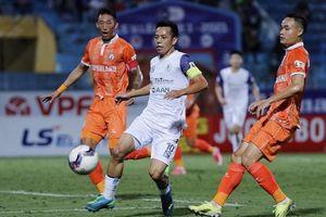 Vòng 11 V-League và 'nỗi ám ảnh' đến từ trên sân nhà