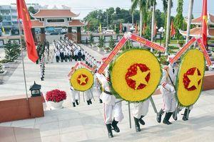 BCH Đảng bộ tỉnh, HĐND, UBND, UBMTTQ Việt Nam tỉnh viếng Nghĩa trang Liệt sĩ