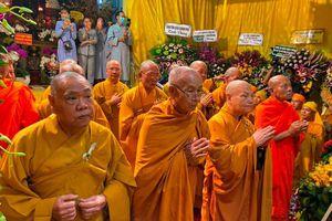 Trung ương GHPGVN viếng tang Trưởng lão Hòa thượng Thích Huệ Trường