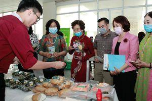 Hội viên phụ nữ thúc đẩy sản xuất, tiêu thụ nông sản an toàn vì sức khỏe cộng đồng