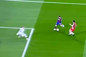 Messi không ghi bàn trong pha đối mặt thủ môn