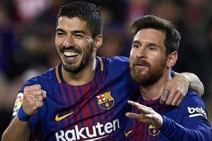 Suarez khuyên Messi ở lại Barca