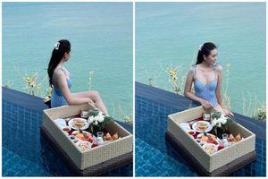 Khoe dáng nuột bên hồ bơi, 'MC đẹp nhất VTV' nhận lời khen