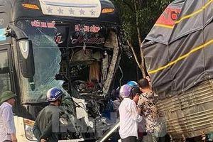 Xe khách đối đầu xe tải ở Bình Phước, nhiều người thương vong