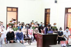 19 đối tượng ở Hương Sơn lĩnh án vì tội đánh bạc
