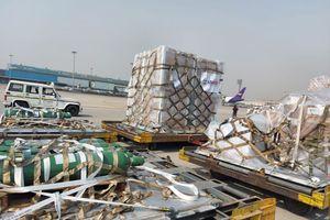 Ấn Độ đón chuyến hàng viện trợ thiết bị y tế đầu tiên từ Mỹ