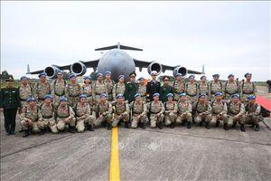 Lính quân y 'mũ nồi xanh' khắc phục khó khăn, hoàn thành sứ mệnh