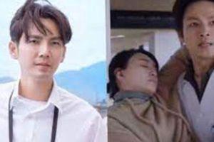 'Ông chú U50' Chung Hán Lương làm bác sĩ rồi còn bồng bế người đẹp mới không phải Đàm Tùng Vận