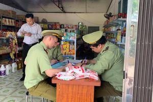 Vĩnh Phúc phát hiện cửa hàng tạp hóa bán bột ngọt giả mạo nhãn hiệu Ajinomoto