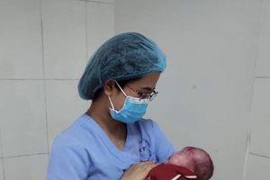 Cứu sống trẻ sơ sinh 7 ngày tuổi bị nhiễm uốn ván nặng