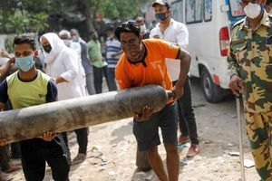 Ấn Độ: Suzuki, Honda và Toyota đóng cửa nhà máy, 'nhường' ôxy công nghiệp cứu bệnh nhân Covid-19
