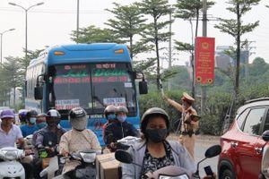 Xử lý tình trạng gây ùn tắc giao thông tại cửa ngõ Thủ đô