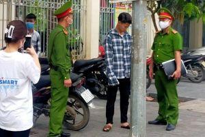2 thanh niên Hà Nội bị phạt 4 triệu đồng vì không đeo khẩu trang nơi công cộng