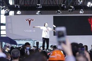 Trung Quốc bắt đầu chiến dịch trấn áp Tesla của Elon Musk