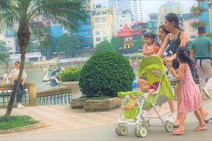 Hà Nội: Người dân chủ quan không đeo khẩu trang tại công viên