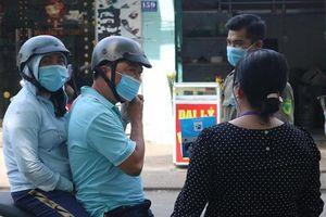 TP HCM: Nhiều người vẫn không đeo khẩu trang nơi công cộng