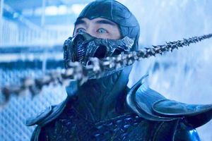 Trang phục của Sub-Zero trong Mortal Kombat nặng 15kg