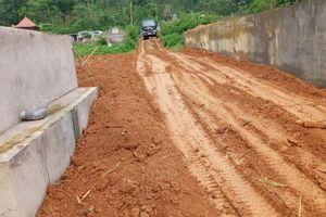 Nhức nhối tình trạng mua bán đất làm nghĩa trang trái phép tại huyện Bắc Quang
