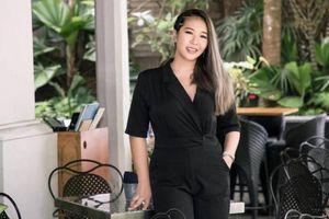 Nữ ca sĩ xinh đẹp đổi nghề thành kỹ sư phần mềm vì đại dịch Covid-19