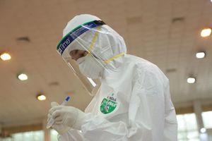 Ghi nhận 14 ca dương tính SARS-CoV-2, 11 ca được cách ly ngay sau khi nhập cảnh
