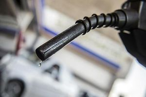 Giá dầu thế giới tăng 6 - 8% trong tháng 4