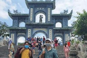 Đà Nẵng: Fan lỡ hẹn với Wowy, Dế Choắt, Tlinh... đường phố ngày lễ vắng hơn ngày thường