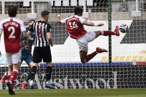 Đánh bại Newcastle, Arsenal tìm lại cảm giác chiến thắng