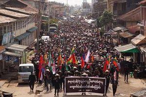 Biểu tình đổ máu trở lại ở Myanmar