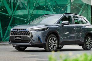 Chủ xe Toyota Corolla Cross 'đứng hình' khi giá vỏ đèn pha hơn 30 triệu đồng