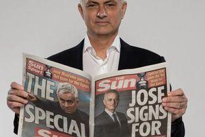 Chia tay Tottenham, HLV Mourinho 'chuyển nghề' trước Euro 2020