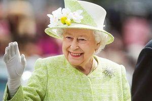 Hé lộ thói quen buổi sáng của Nữ hoàng Anh Elizabeth II