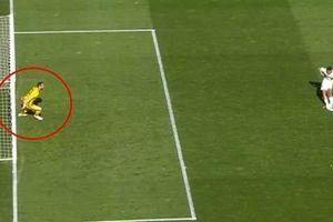 Tại sao Elche không được đá lại 11m dù thủ môn Atletico Madrid phạm luật?